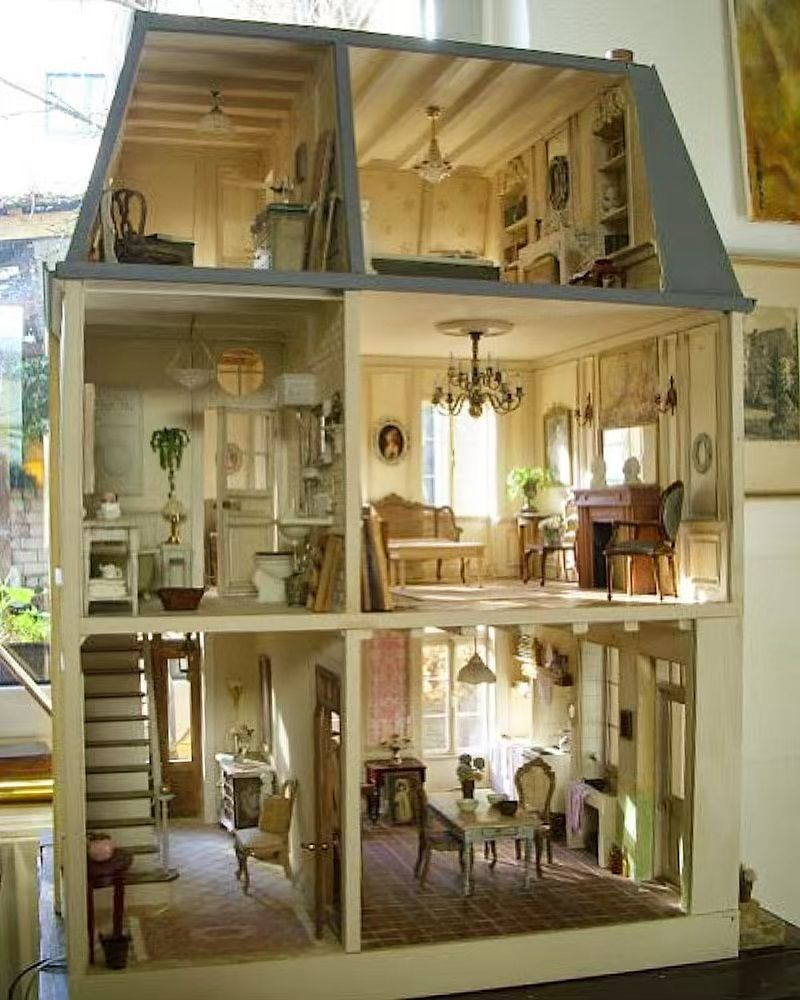 "Dollhouse Therapy on Instagram: ""master miniaturist @pipiturner Pipi Turner's magnificent French house, based on the Christine-Lea Frisconi: 'The Big Book of a Miniature…"""