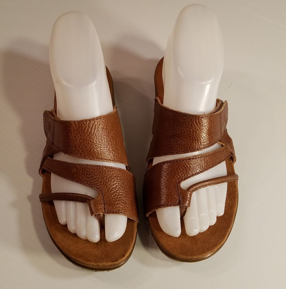 383b0e2743dd BareTraps Kerwren Women s 6M Brown Strap Leather Sandals Adjustable Toe Loop   BareTraps  FlatSandals