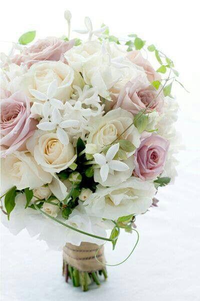 Bouquet Sposa Gelsomino.Bouquet Con Gelsomino Bouquet Bouquet Matrimonio E Sposa
