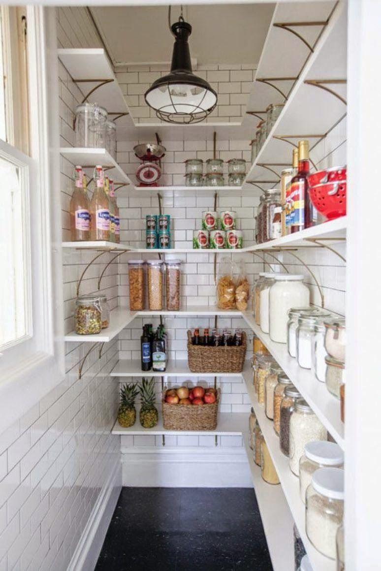 Get the look] Ideas para decorar una pequeña despensa | AnticandChic ...