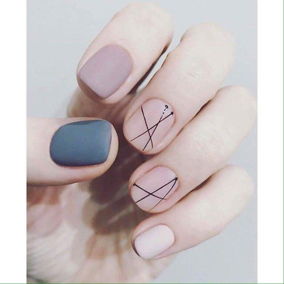 Geometric gel nail art design for short nails - Pin By Mushi Kolar On °•○○ Fresh Nails Design ○○•° Pinterest
