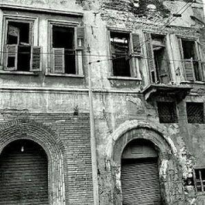 من هو أول من سكن فى منزل ريا وسكينة بالإسكندرية بعد إعدامهما وما الذى حدث له مــــقهى جــــــيران Love Art Egypt Alexandria