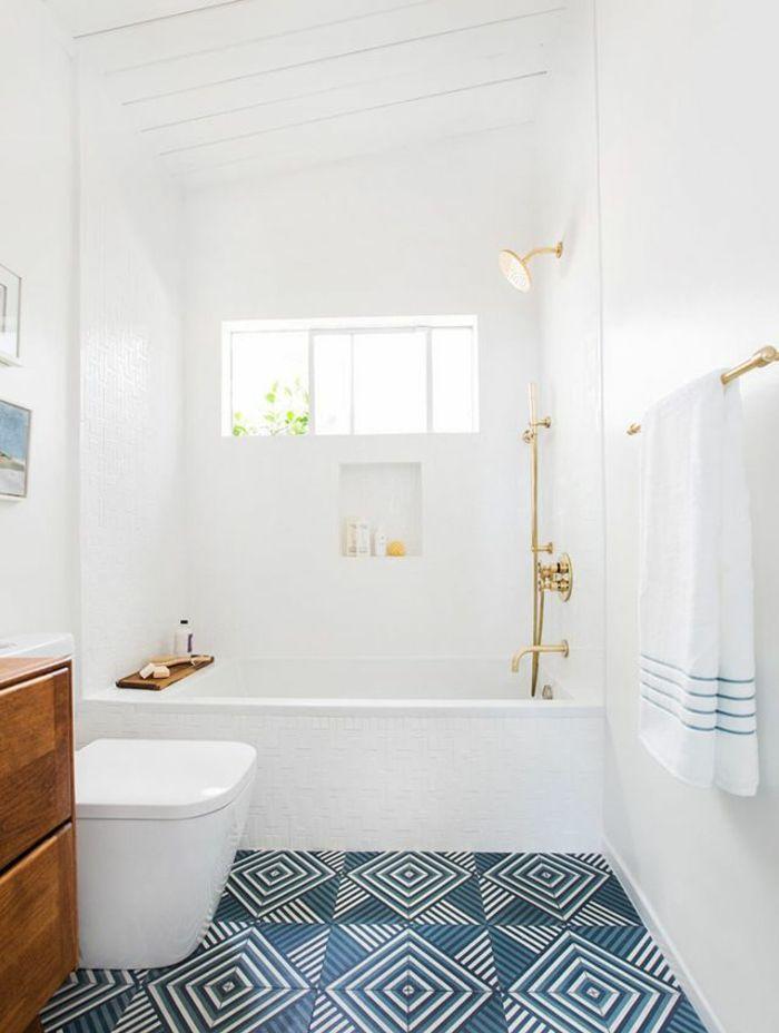Suchen Sie Nach Badezimmer Ideen Fur Kleine Bader Sind Sie Hier Fundig Wir Bieten Raumsparende Kleines Bad Farbe Bad Inspiration Badezimmer Innenausstattung