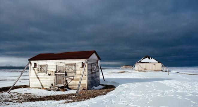 Mesmerizing Photos of Abandoned Structures in the High Arctic