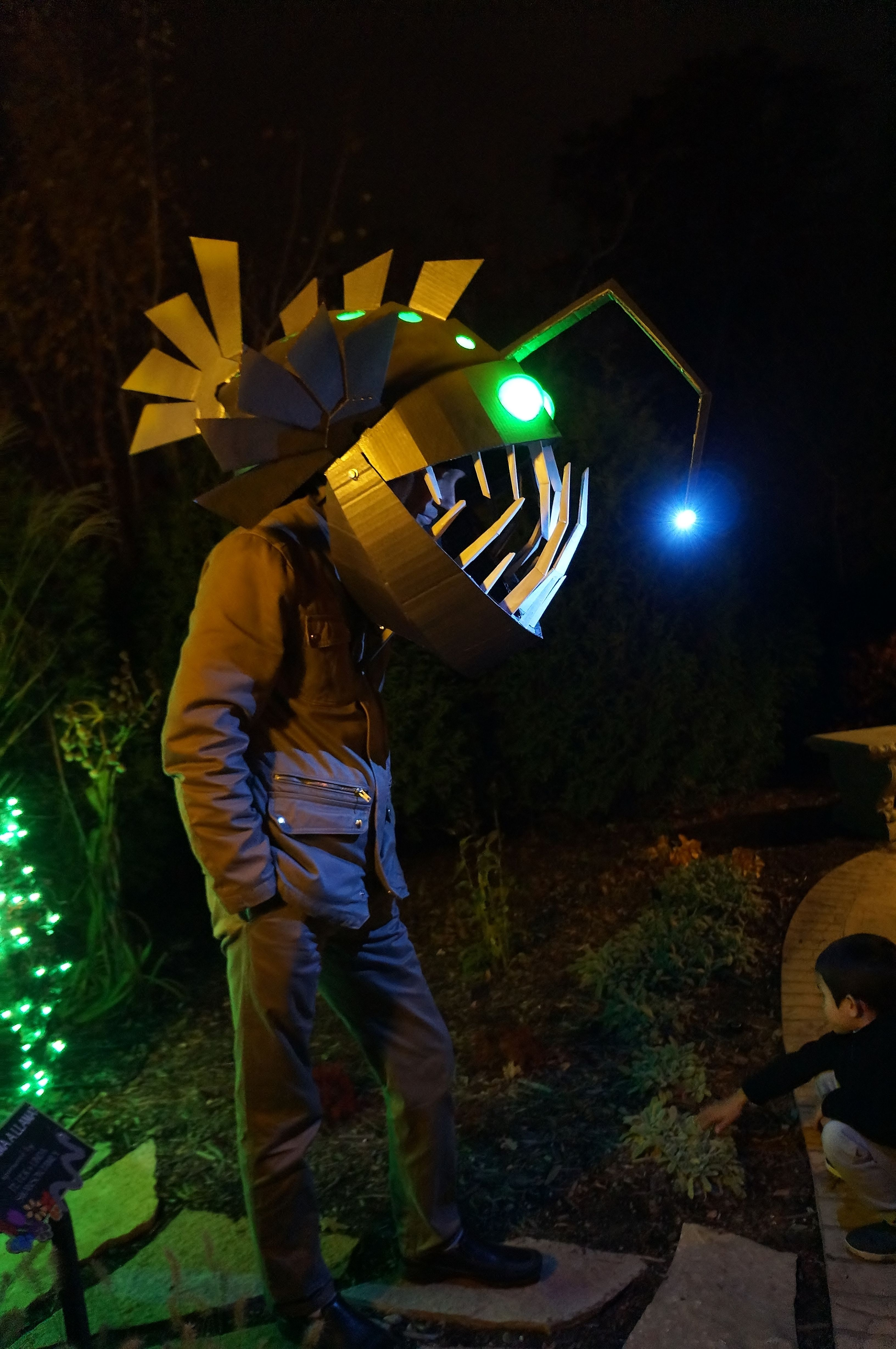 Angler fish motorcycle helmets and helmets on pinterest for Angler fish costume