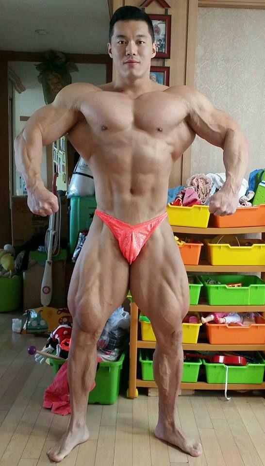 Kim Young Joon (김영준, Korean Bodybuilder)