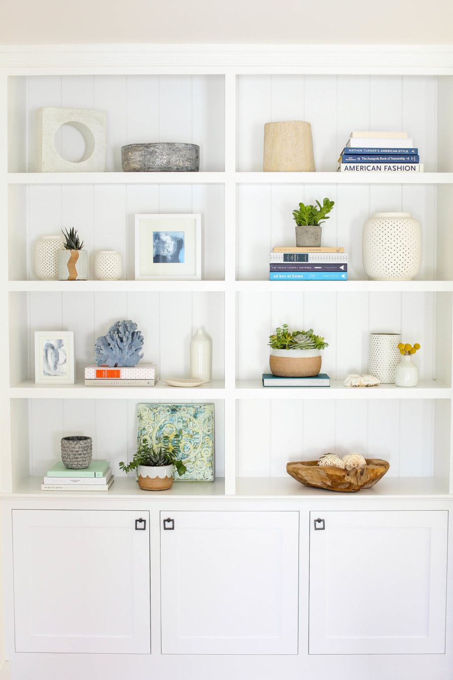 How To Decorate Your Built In Shelves White