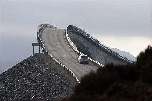 Rare Roads In The World Top Most Dangerous Roads In The World - The 10 scariest roads in the world