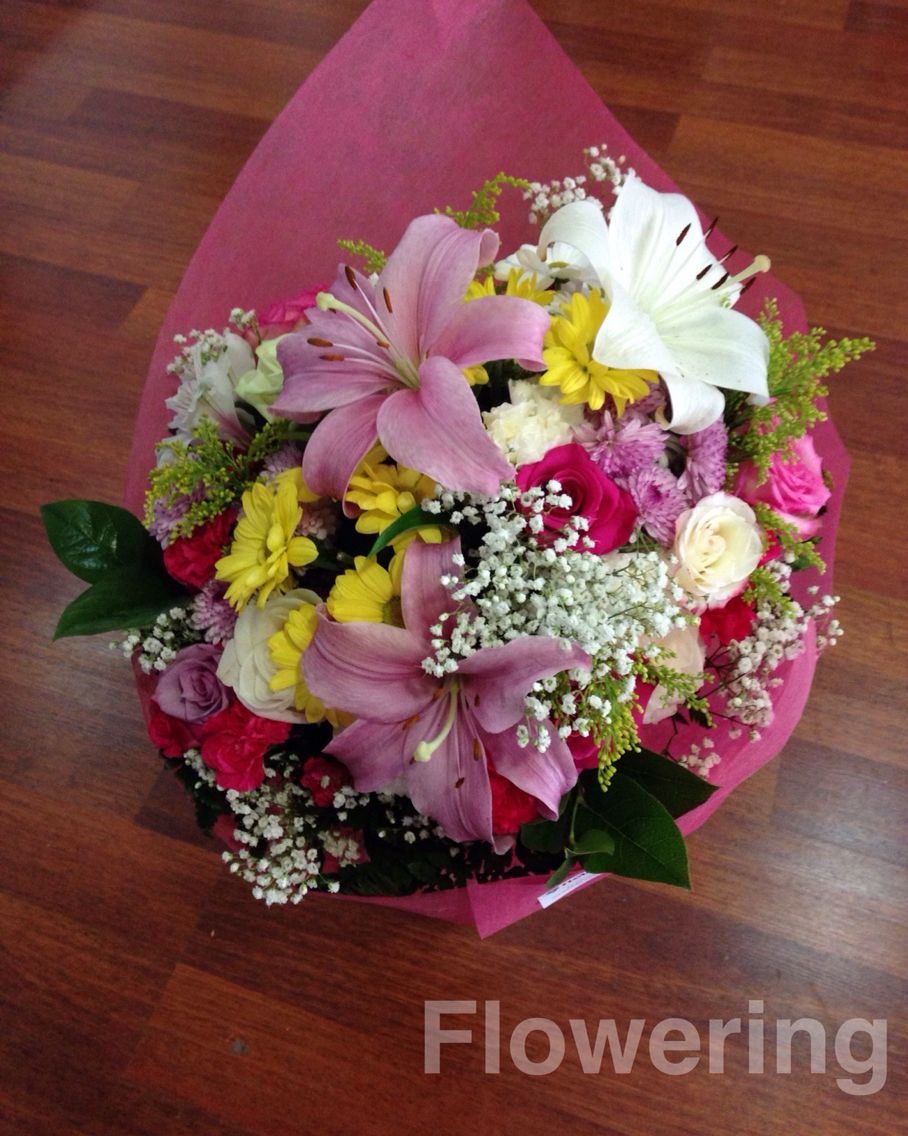 Ramo lilium, margaritas, rosas, claveles, solidago, paniculata ...