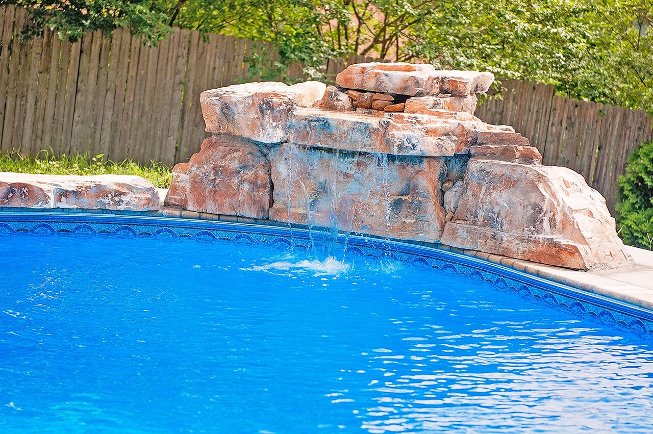 Our 3 Ft Modular Swimming Pool Waterfall Kit In The Fieldstone Color Pattern Credit Installed By Swimming Pool Waterfall Pool Waterfall Swimming Pool House