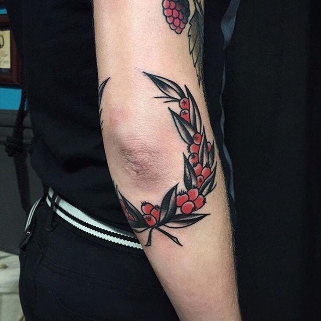resultado de imagem para old school elbow tattoo   tattoos