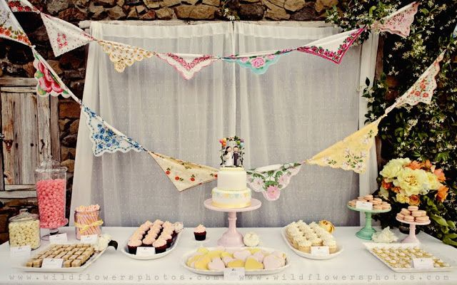 Super cute handkerchief bunting and other great ideas for your vintage hankies!