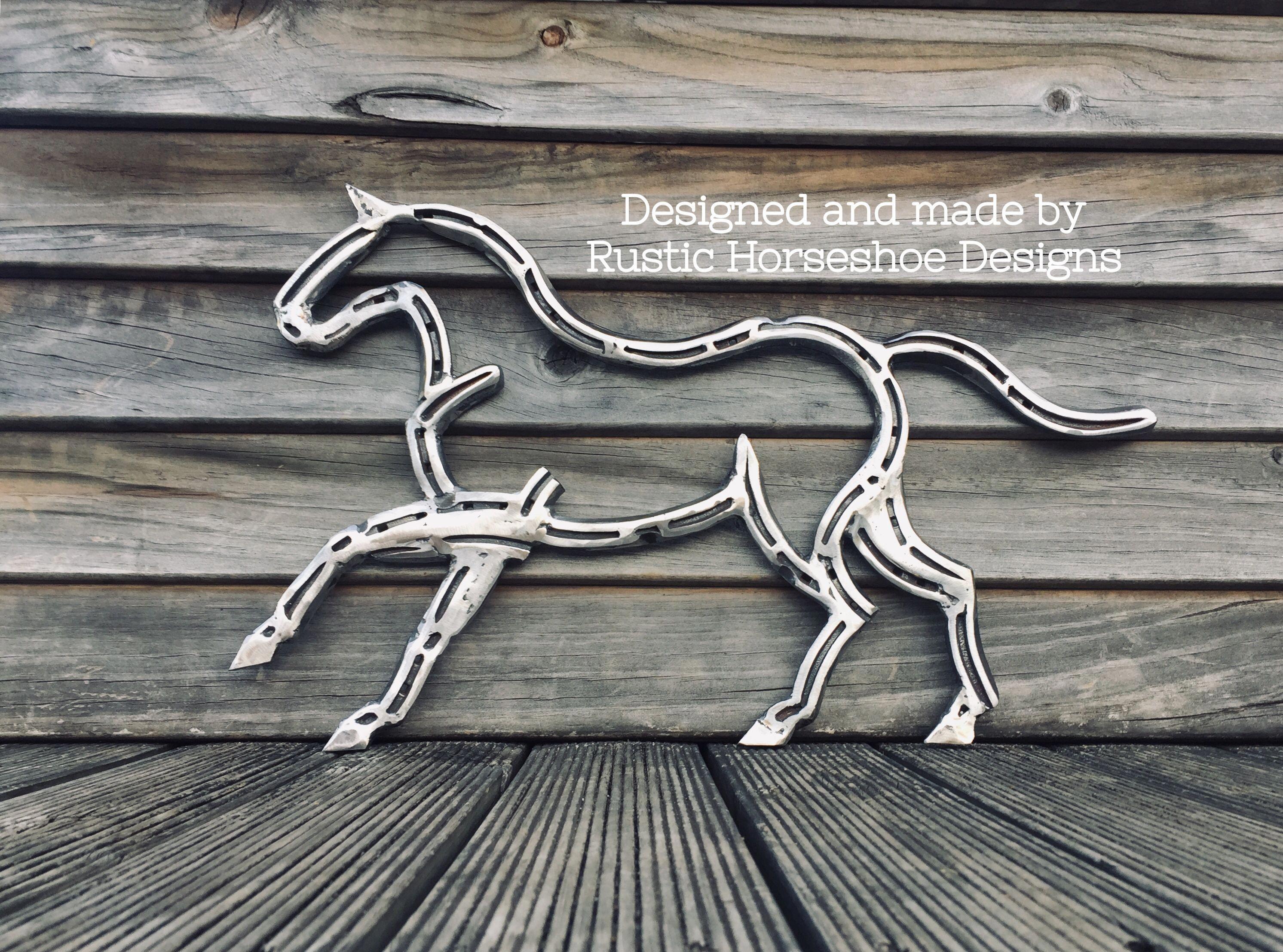 Horseshoe Horse In 2020 Horseshoe Art Welding Art Projects Horseshoe