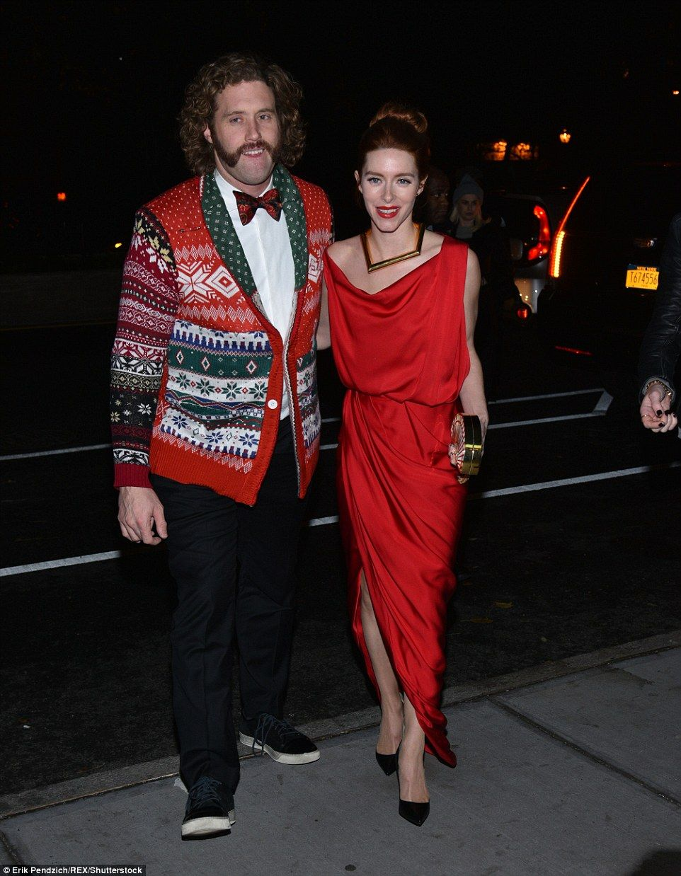 Miller at New York screening of Office Christmas Party | Daily Mail ...
