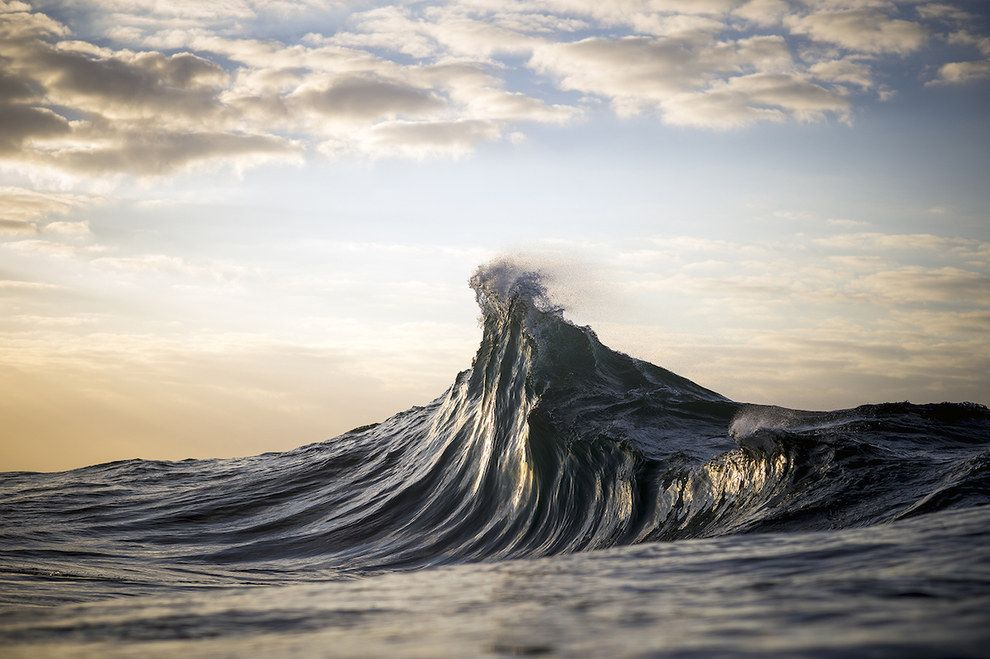 This Photographer Transforms Ocean Waves Into Glorious Mountains Waves Photography Seascape Photography Waves