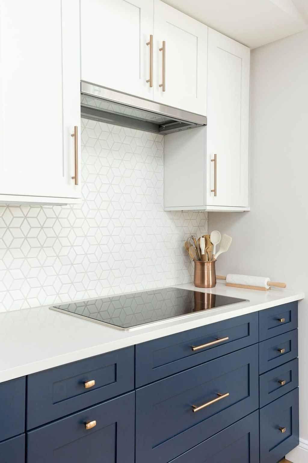 65 White Kitchen Cabinet Decor Ideas - Gladecor.com