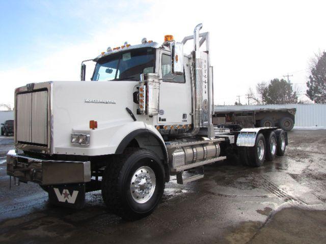 New 2017 Western Star 4900sb Tridrive Logging Spec Tractor Western Star Trucks Big Trucks Big Rig Trucks