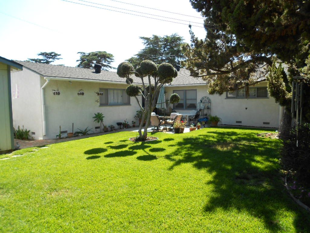 Spacious backyard for families and kids. 12262 Lesley St., Garden ...