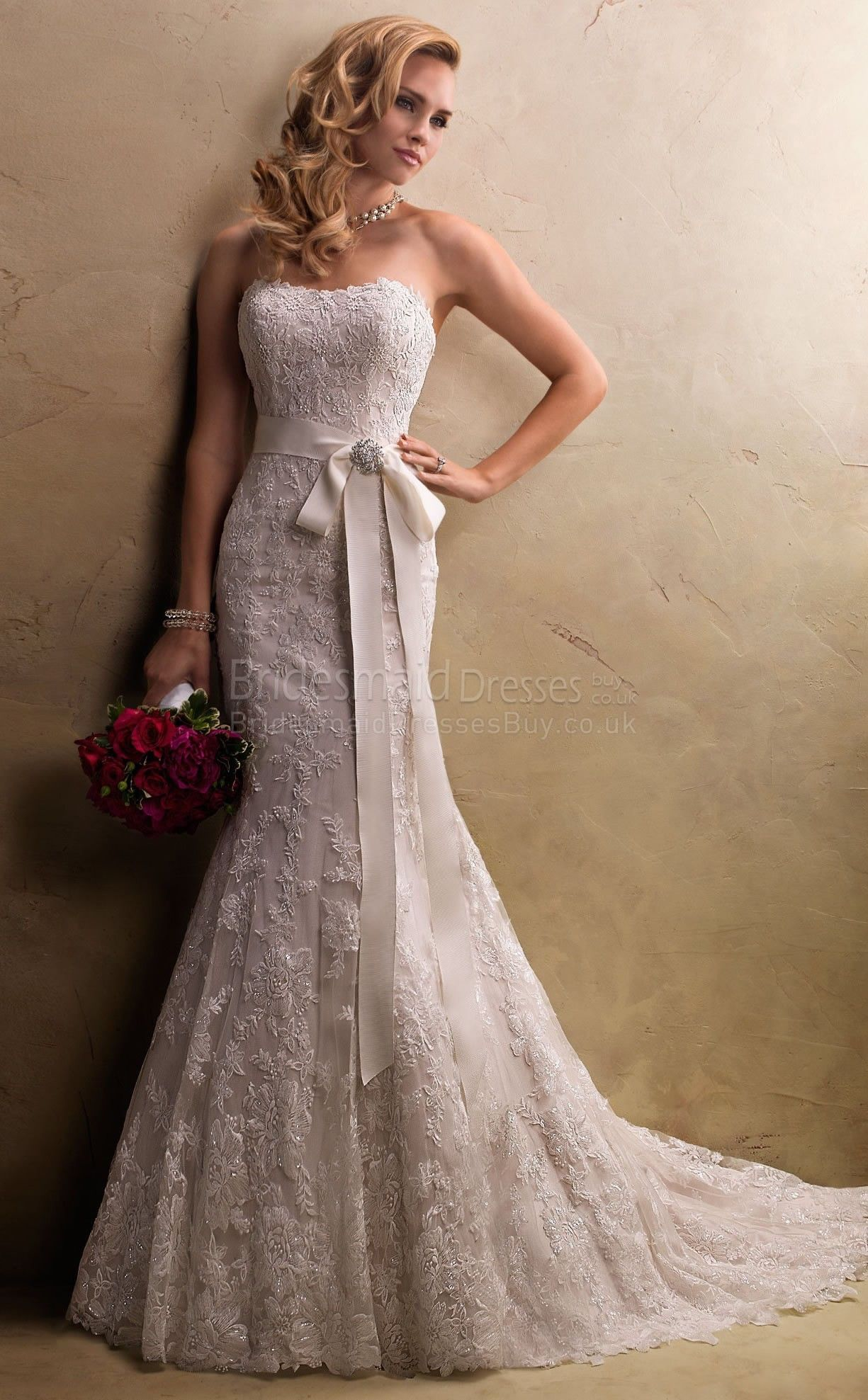 Love this lace wedding dressesvintage wedding dressesstrapless