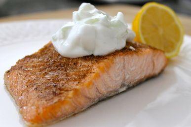 Broiled Salmon with yogurt sauce