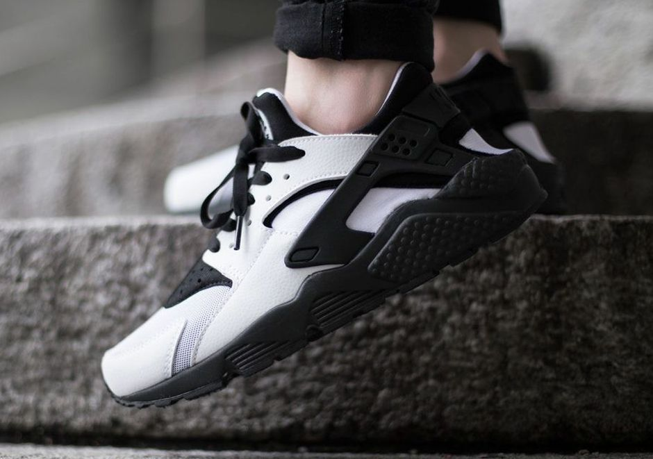 mens nike huaraches black and white