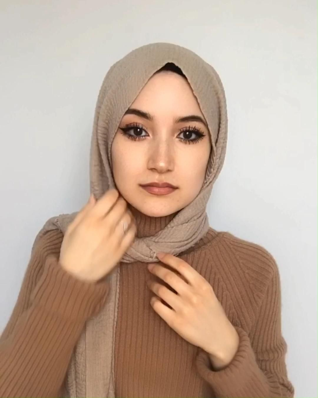 Pin By Princess Bubblegum On Hijab Fashion Hijab Style Tutorial Simple Hijab Tutorial Video Hijab