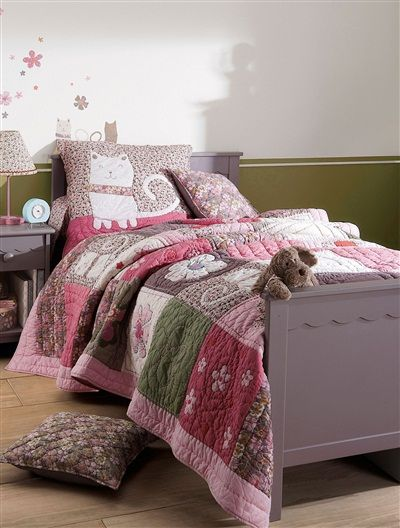 jet de lit en boutis fille th me catsychic rose fonce uni vertbaudet enfant id es pour. Black Bedroom Furniture Sets. Home Design Ideas
