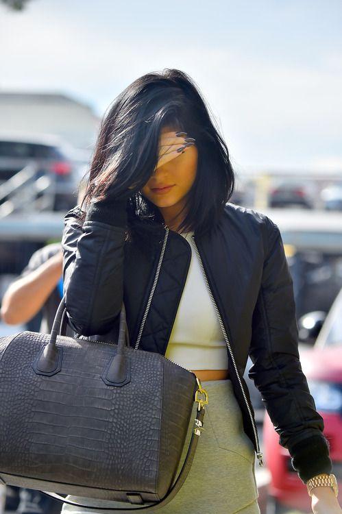 KendallKyliee // tumblr YouBetterWearThat! ) Kylie