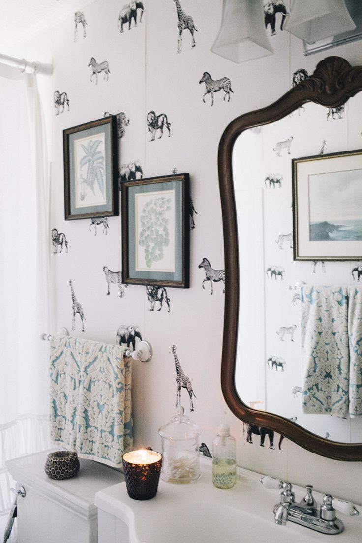 Love the wall paper and accessories in this bathroom | Sweet Lovely ...