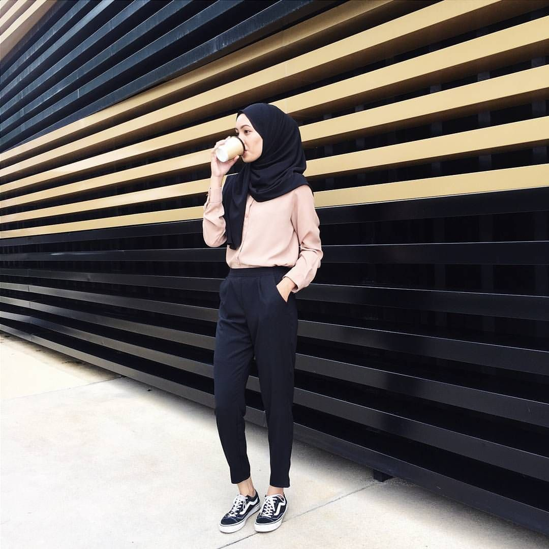 Pinterest Eighthhorcruxx Casual Blush Pink Top Black Hijab
