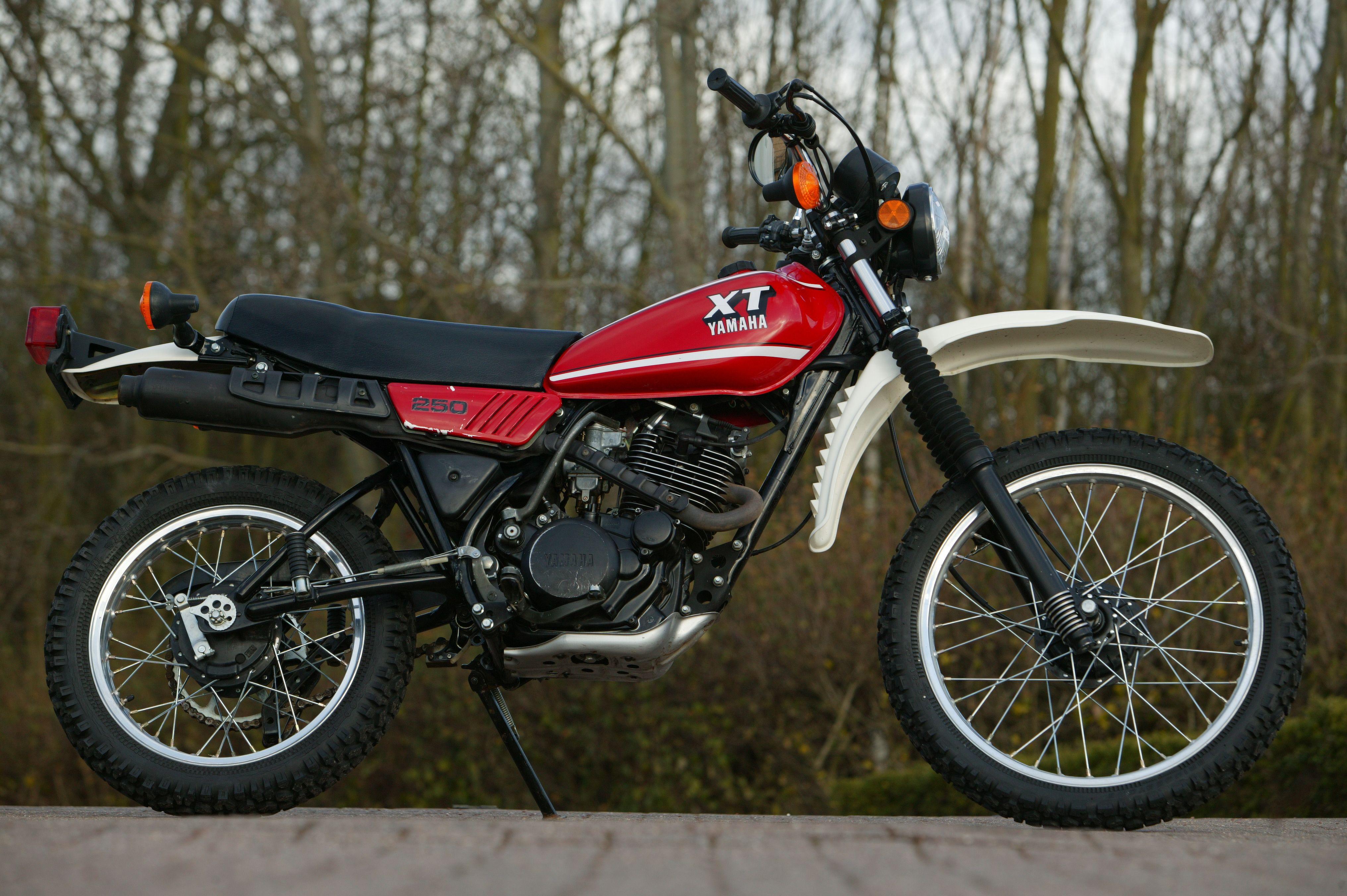 Yamaha Xt250 Yamaha Classic Bikes Yamaha Motorcycles Sports