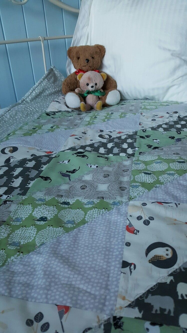 half triangle Green,Grey and Cream baby quilt