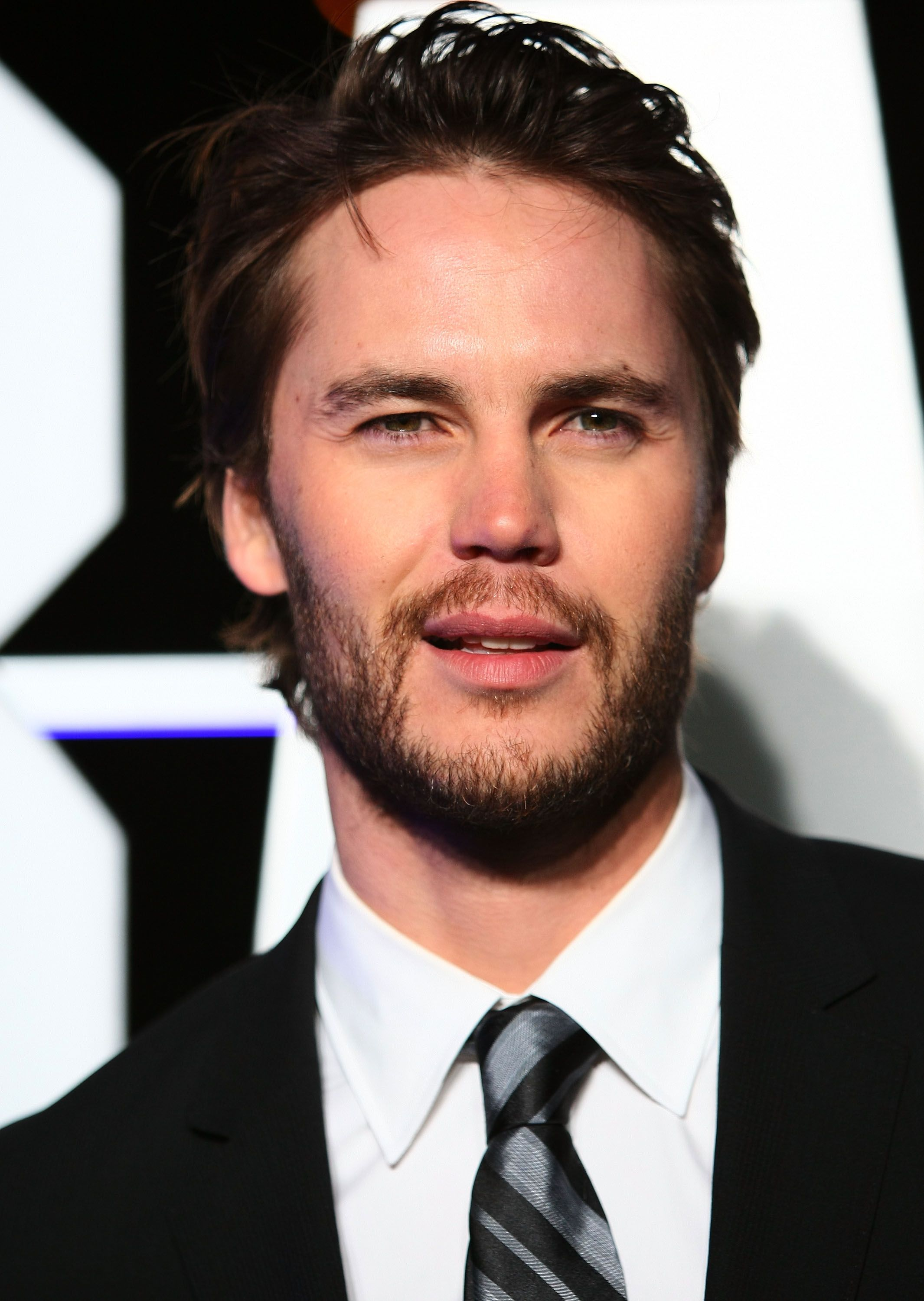 taylor kitsch gif