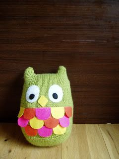 """Fat Owl Free Knitting Pattern ( click """"download now"""" in blue letters) http://miss-aine.blogspot.ie/2012/07/free-pattern-fat-owl.html?m=1"""