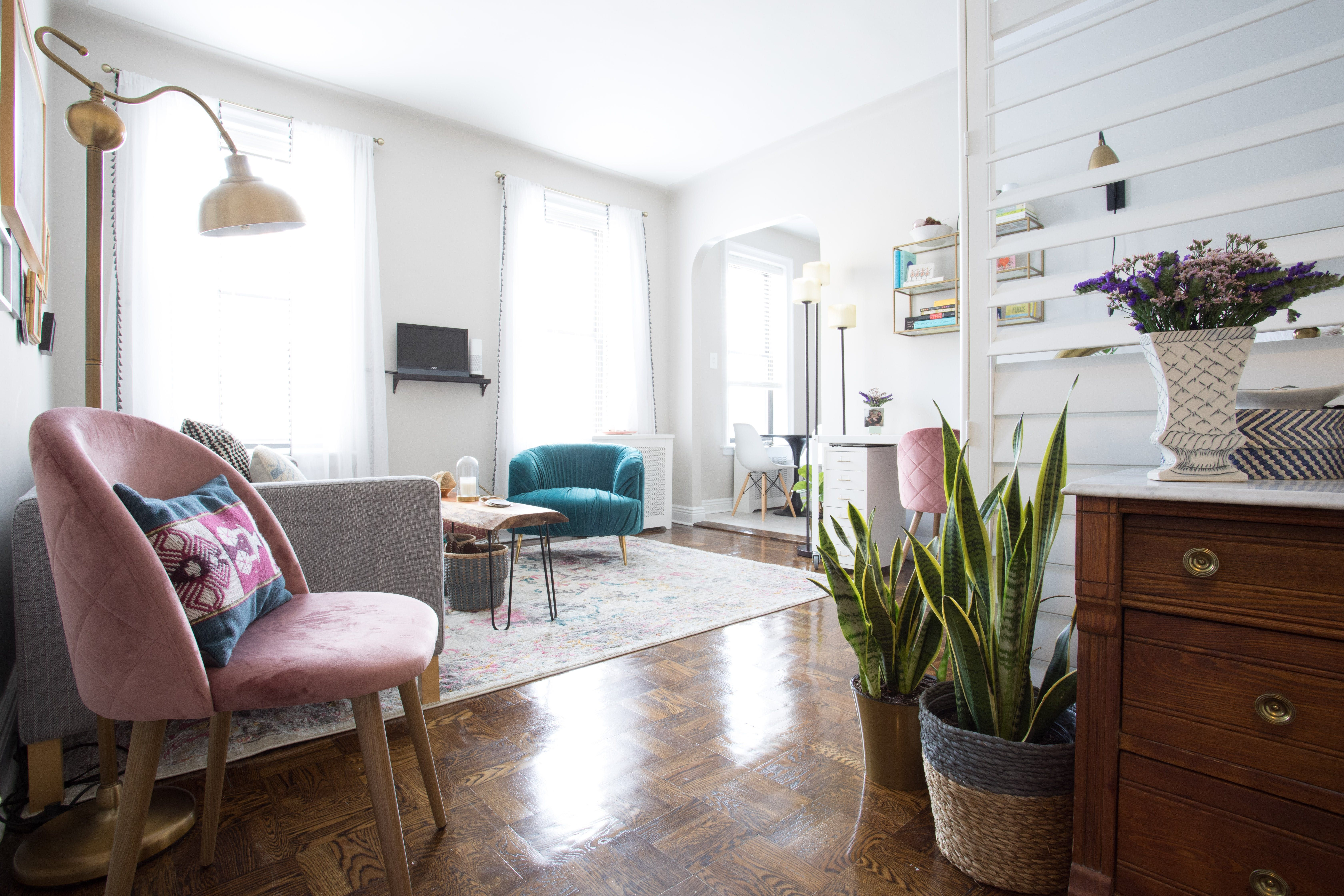 Freelance interior decorator elaine burns completed the search for an apartment of her own  little over six months ago purchasing this square foot also nyc studio has ingenious room divider rh pinterest