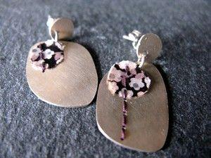 Boucles d'oreilles *De fil en aiguille* - textile cousu sur argent 1er titreby Clémentine Manuel
