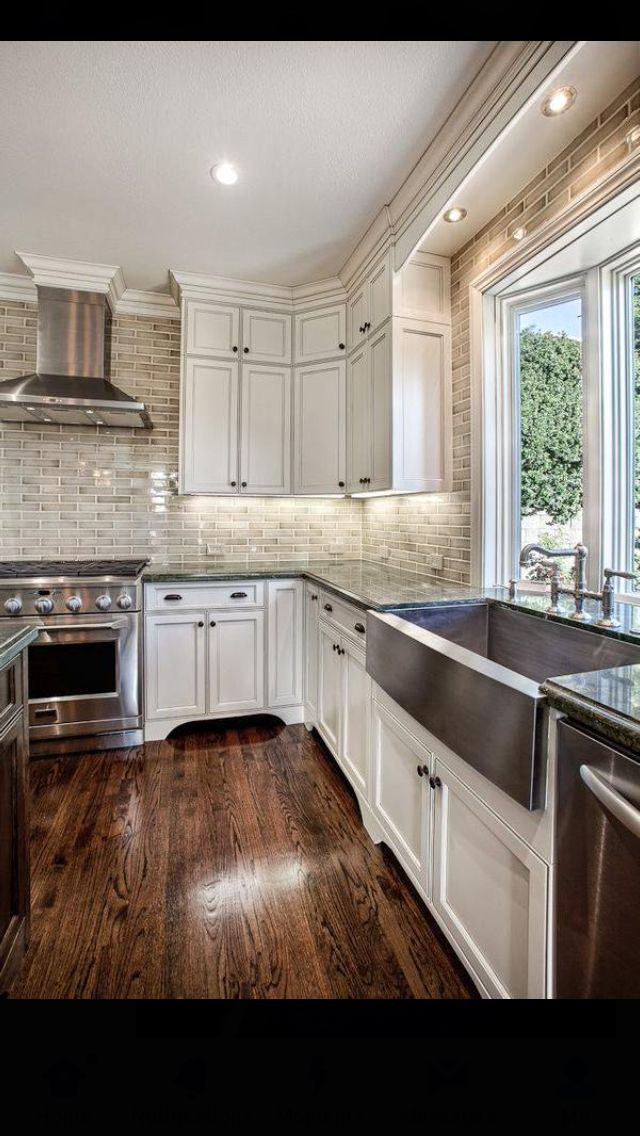 Soft White Kitchen With Sandy Beige Backsplash Tile Sea Cliff