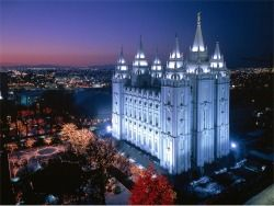 Beautiful of the Salt lake Temple...make sure to visit and take the tour if your ever out there...,well worth it....:)