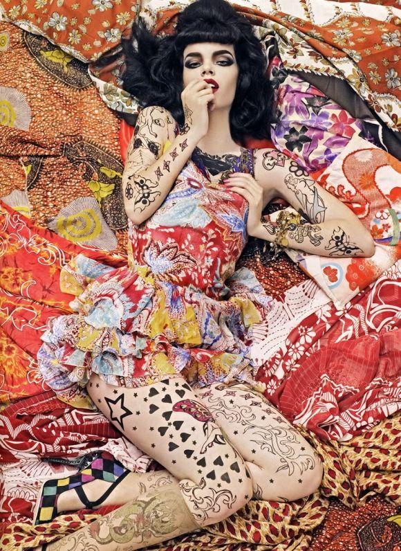 Mad mix. Ph Steven Meisel Vogue Italia/Dec 2007