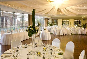 Google Image Result for http://wedding-venues-melbourne.com/adelaide/wp-content/uploads/2012/05/805498_SPA_Boulevard_Room_Lge.jpg