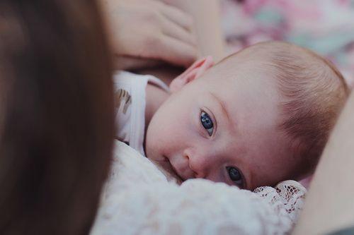 نوره محمد La7n El 7aya أعيديني الى حضنك و ضميني إلى Baby Photography Beautiful Babies Newborn Photography
