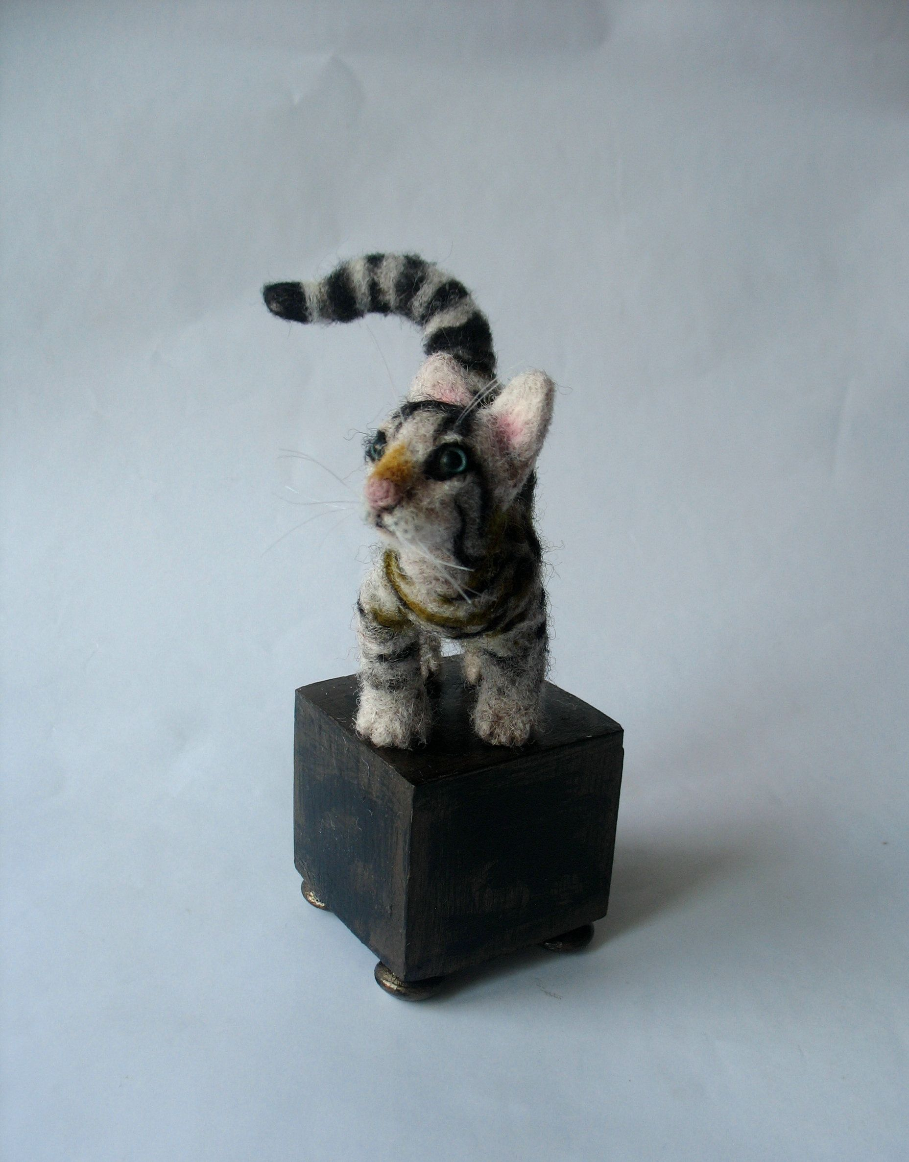 Bengal cat Needle felted Doll house miniature pet For home