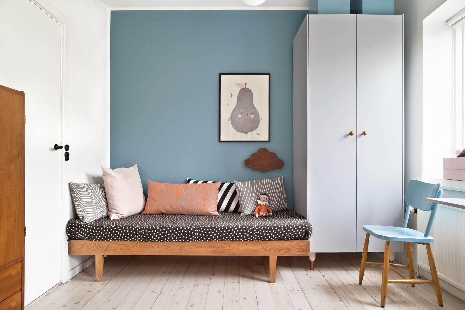 Mix aus Retro und skandinavischen Möbeln im Kinderzimmer