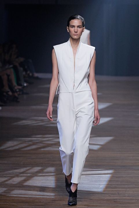 Yigal Azrouël Spring 2014 Collection