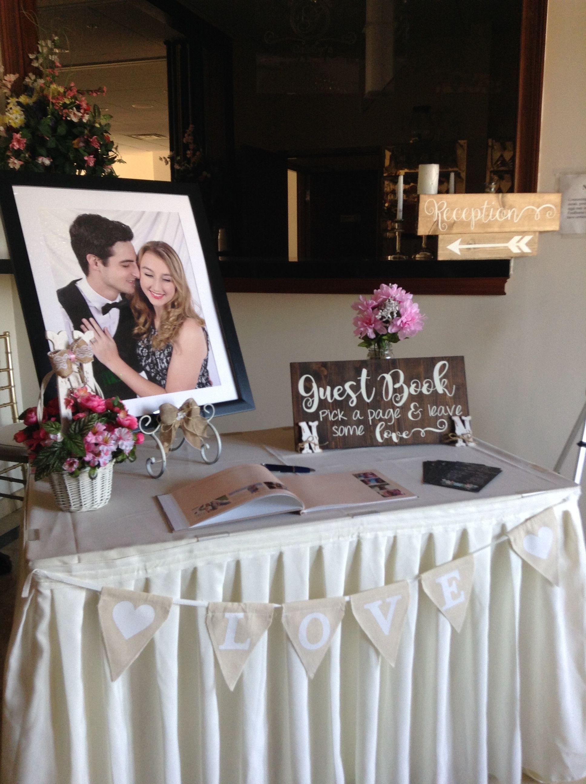 Everything Was Hade Made For This Wedding Entrance Table Weddingtablegiftideasforguests Wedding Welcome Table Wedding Entrance Table Card Table Wedding