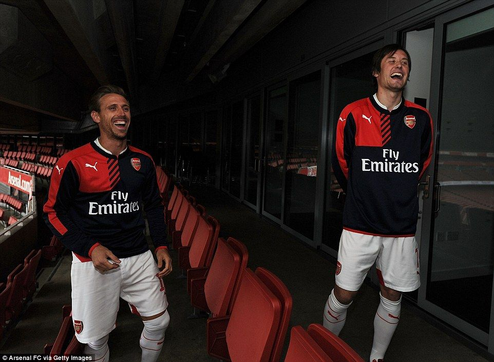 Arsenal launch new Puma home kit for 2015-16 season  be195a232