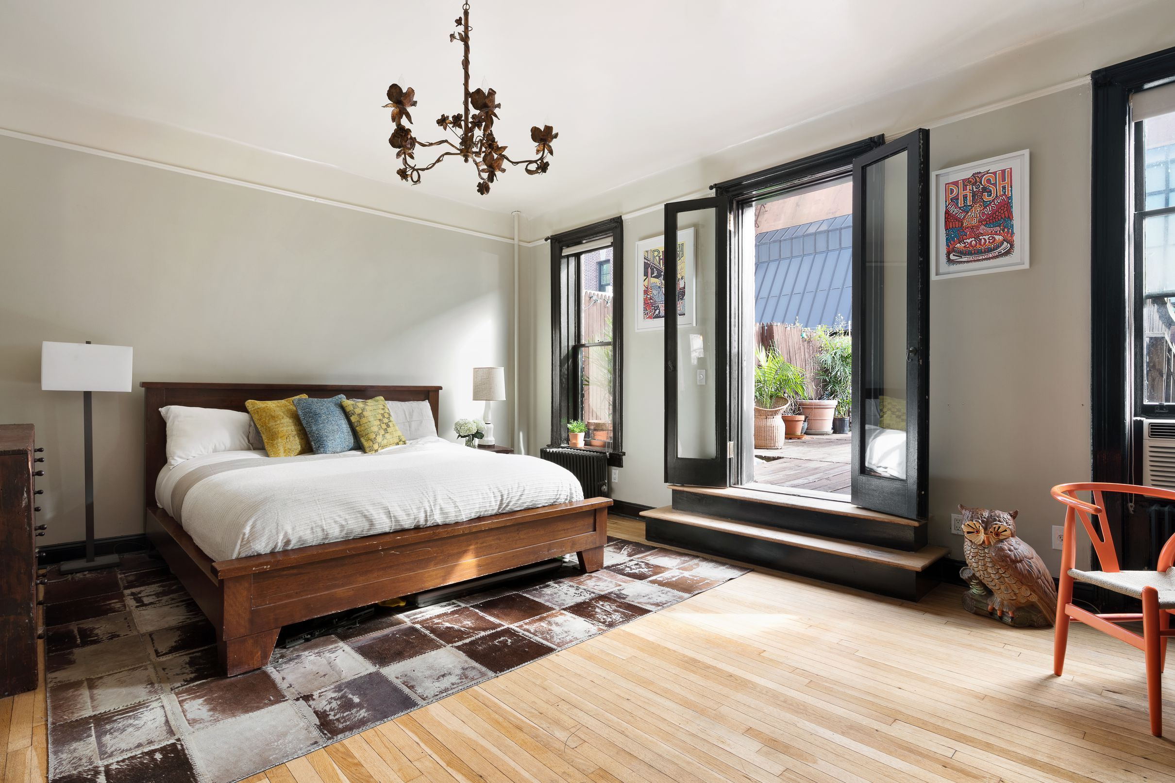 Brooklyn Heights onebedroom with graciously sized terrace
