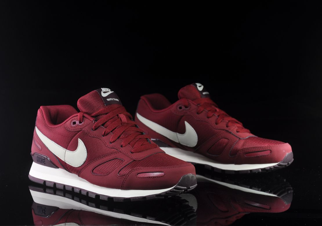 buy online 2a2d5 4aa4e low-cost nike waffle burgundy leather trainers