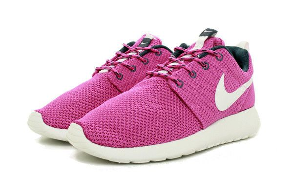 reputable site caa28 7f493 WOMEN S SIZE 9.5 NIKE SNEAKERS ROCHE RUN SHOES 511882 605 CLUB PINK WHITE  NEW  Nike  RunningCrossTraining