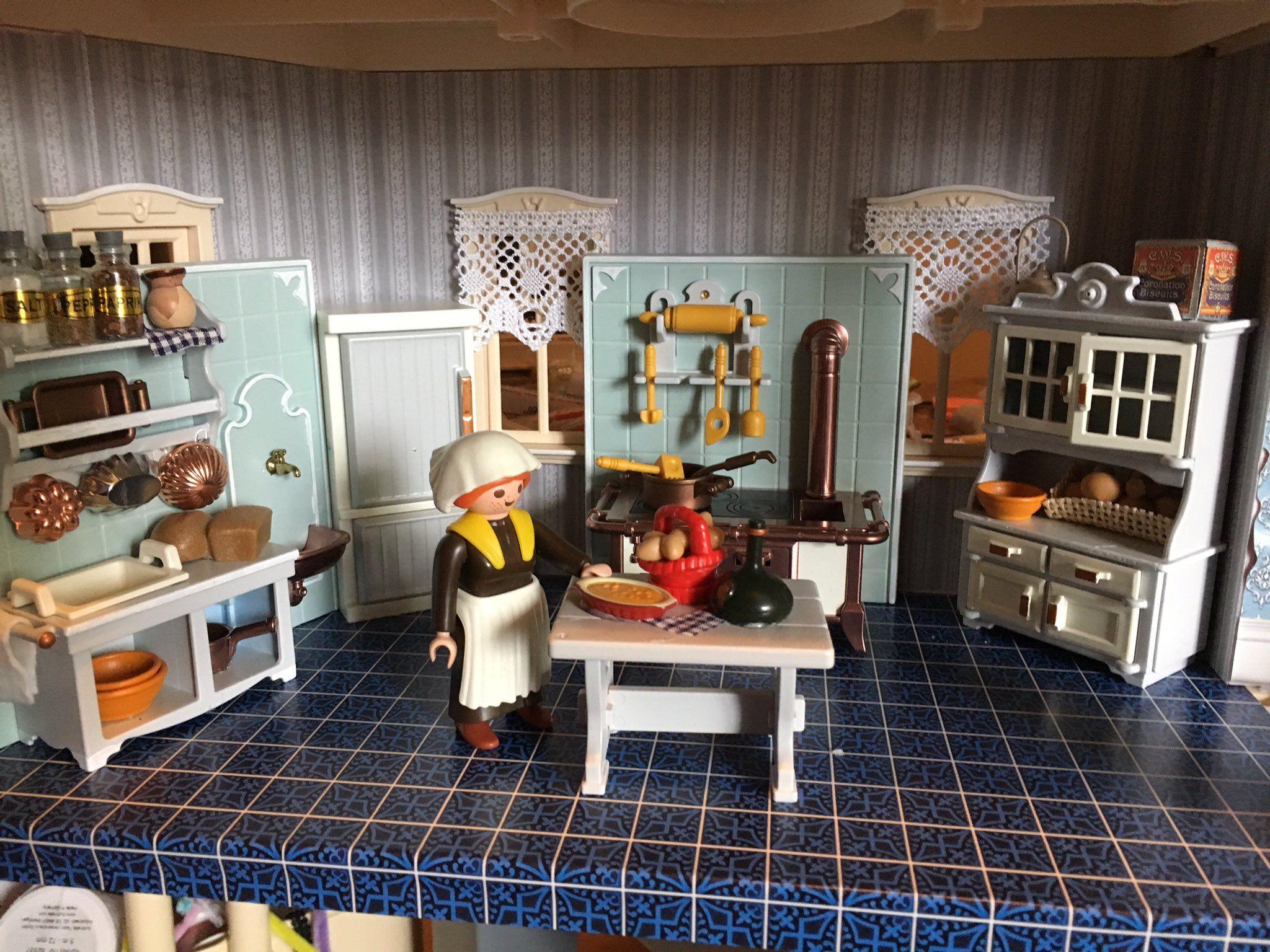 TheKattiveMess on | Playmobil and Victorian